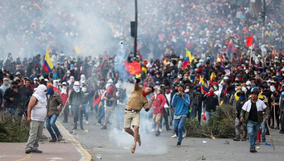 Alrededor de 7.000 indígenas llegaron a protestar a Quito desde el lunes. (Foto: Reuters, via BBC Mundo)