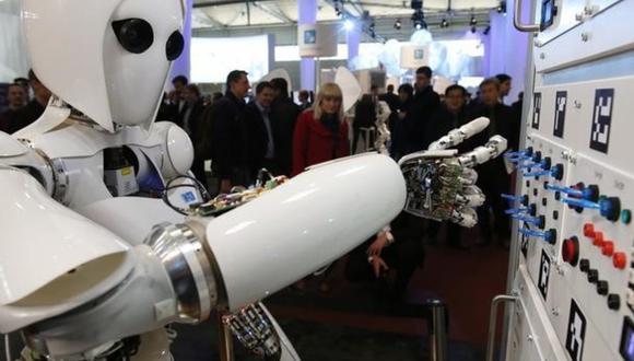 La inteligencia artificial avanza y podría suprimir muchos puestos de trabajo para la población mundial. (Foto: Reuters).