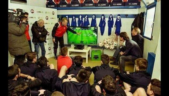 ¿Inzaghi enseña táctica a sus pupilos con videojuego FIFA 14?