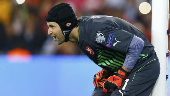 Chelsea niega haber recibido ofertas por Petr Cech
