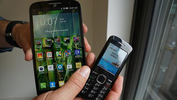 Alcatel Pop Mega: una phablet que viene con su propio teléfono