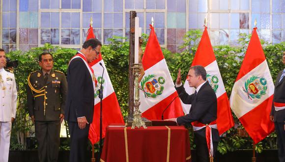"""""""Señor Vizcarra, acaba de estrenar Gabinete, y la máxima virtud que le reconocen a su primer ministro es la de """"comunicador""""… Entonces pónganse a trabajar para tener qué comunicar…"""". (Foto: PCM)"""