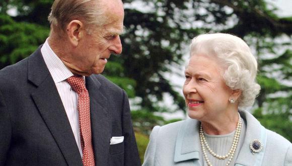 Felipe de Edimburgo y la reina Isabel II del Reino Unido. (Foto: AFP | Fiona Hanson)
