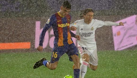 Real Madrid venció como local por 2-1 al Barcelona en el clásico de España   Foto: AFP