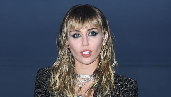 Miley Cyrus utilizó su cuenta de Twitter para responder sobre el fin de su relación y respondió algunas preguntas de sus fans (Foto: AFP)