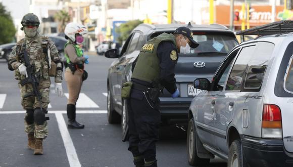 Atento. Si vives en Lima, deberás tramitar un pase laboral para salir de casa. (Foto: GEC)