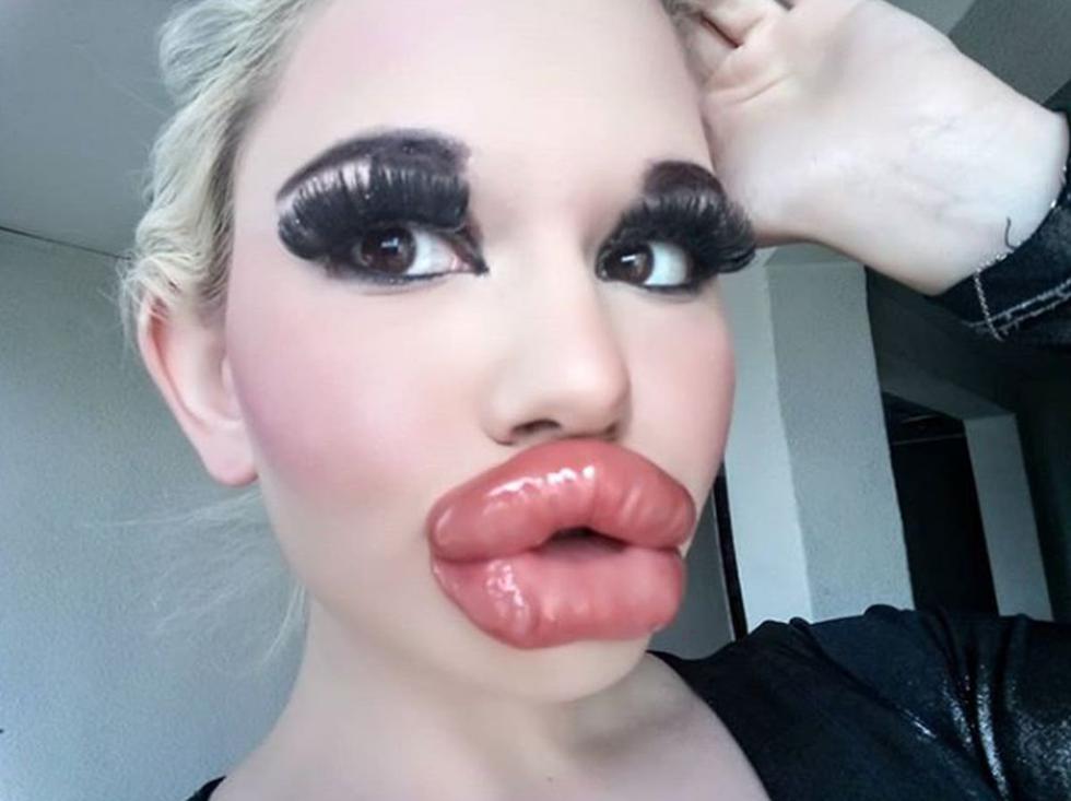 Andrea Ivanova es una de las principales protagonistas en las redes sociales por los labios más grandes y sexys del mundo. (Foto: Instagram)