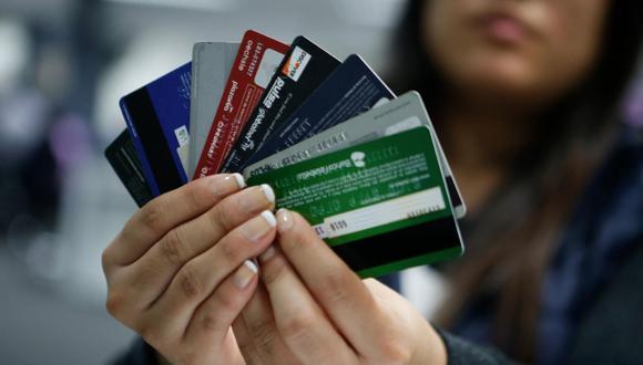 Los bancos deberán ofrecer tarjetas sin membresía.