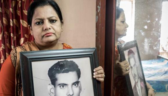 Suraya Parveen señala que la tumba era el último símbolo de su padre. (Foto: Amirul Rajiv).