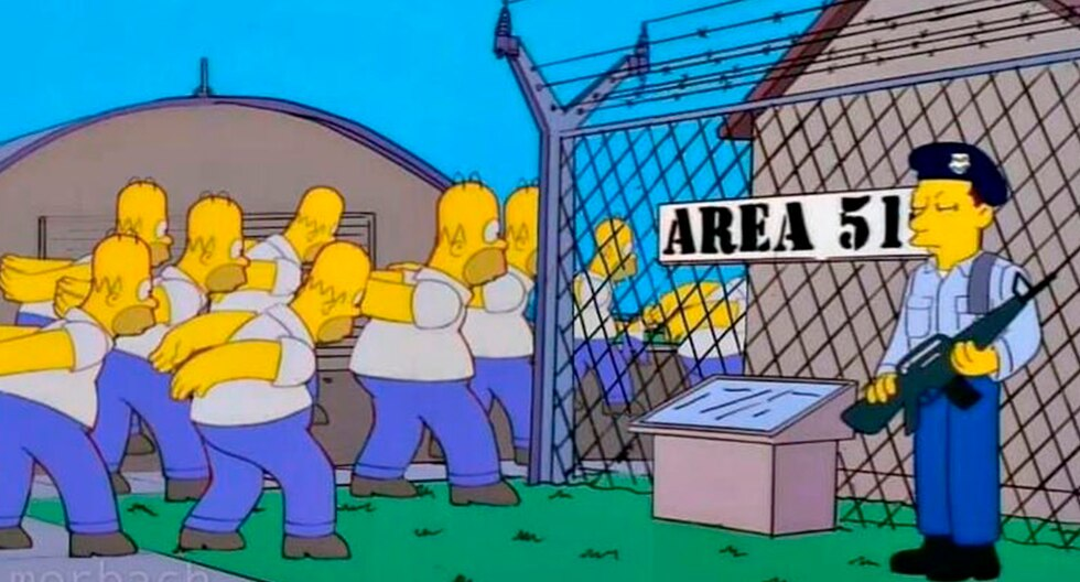 Estos son algunos de los mejores memes de Área 51 que 'reventaron' en Facebook.   FB