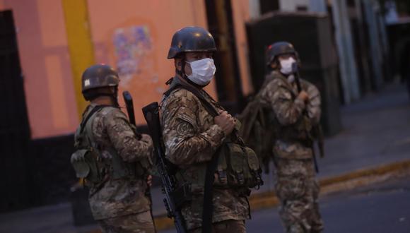 El Gobierno prolongó hasta el 10 de mayo la cuarentena por casos de coronavirus. Las Fuerzas Armadas y la Policía Nacional resguardan las calles durante el aislamiento social y la inmovilización obligatoria. (Foto: César Grados)