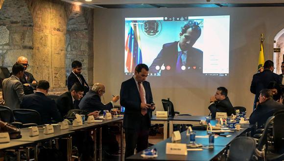 """Durante el primer día del encuentro participó el jefe del Parlamento Venezolano, Juan Guaidó, quien les dijo a los parlamentarios que juntos lograrán el """"cese de la usurpación"""". (AFP)"""