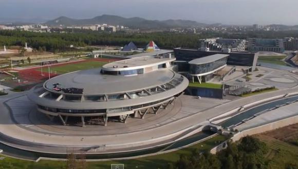 Chino convierte sus oficinas en Enterprise de Star Trek [VIDEO]