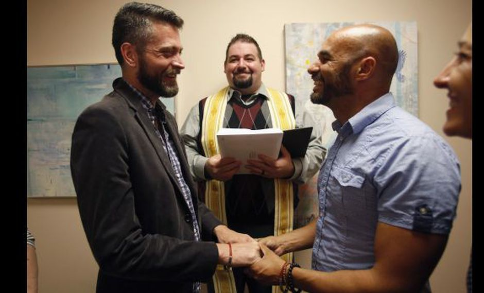 Asistir a una boda gay te podría costar tres años de cárcel