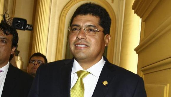 Alcalde de Surco se defiende y niega vínculos con López Meneses