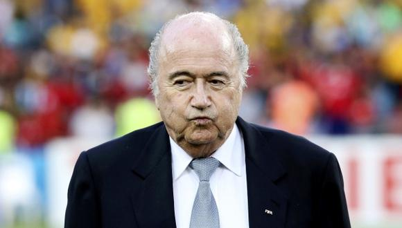 Joseph Blatter fue abucheado en la final de la Copa de Asia