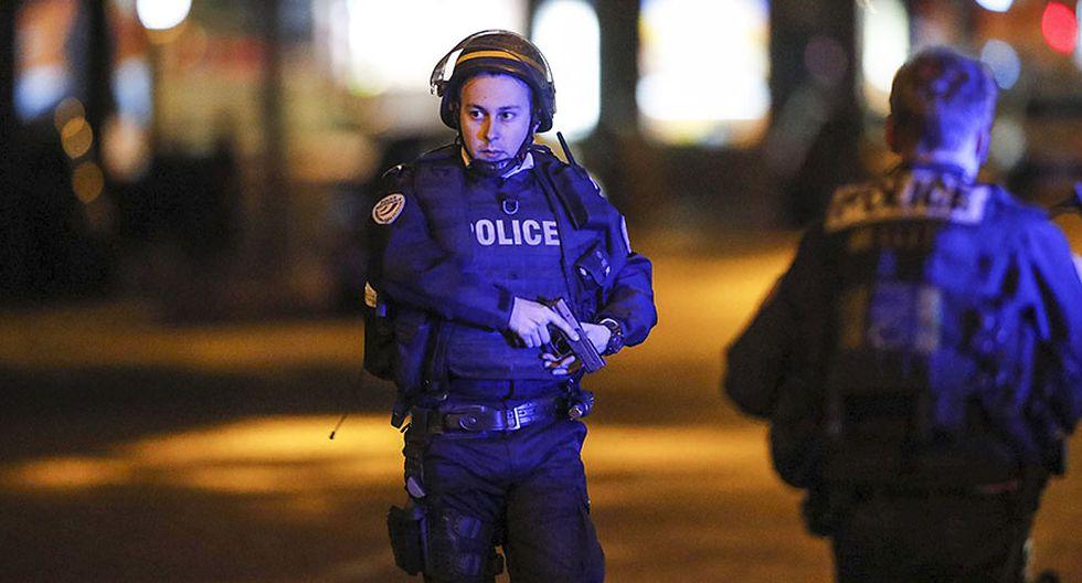 Alerta máxima en París por ataque terrorista en Campos Elíseos - 12