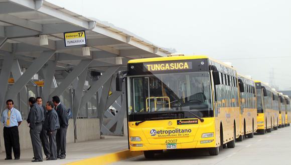 Metropolitano informó que desde hoy dejaron de operar las 21 rutas alimentadoras. (Foto: Andina)