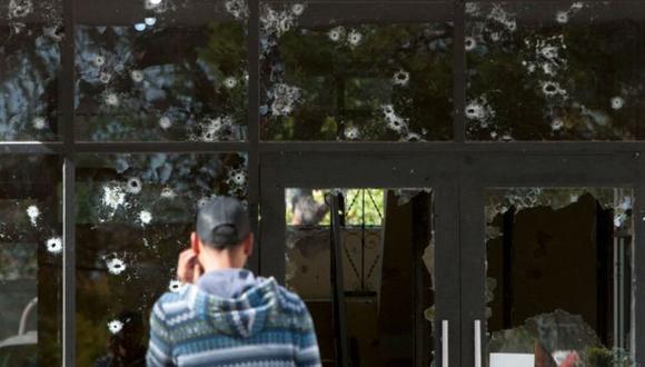 Muchos de quienes ingresan en las filas del narcotráfico mexicano creen que tendrán una vida y corta y que, por tanto, deben vivirla al máximo con dinero fácil. (Foto: Getty Images, via BBC Mundo)