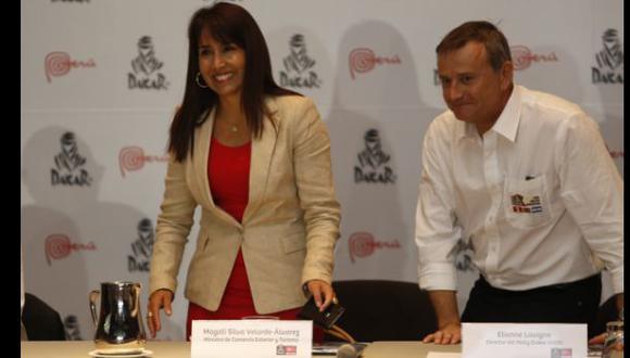 La ministra Magaly Silva junto a Etienne Lavigne, director del Dakar, en la presentación de la prueba. (Foto: El Comercio)