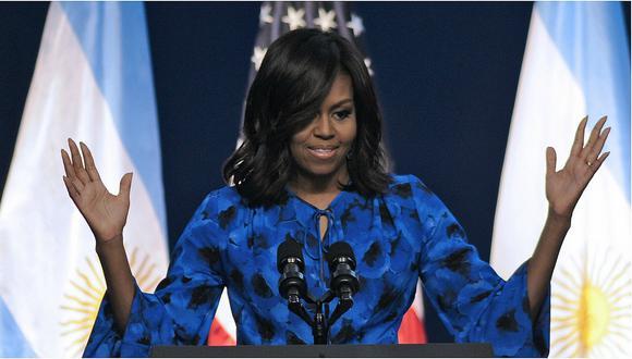 Según un informe del Financial Times, los estadounidenses quieren y están dispuestos a pagar por asistir a las conferencias de Michelle Obama.