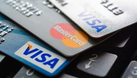 Las tarjetas de crédito pueden llegar a cobrarte hasta un 20% de interés al año. (Foto: Getty Images)