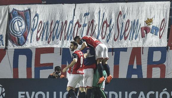El único gol del encuentro fue anotado por el volante paraguayo Enzo Gimenez, a los 5 minutos. (Foto: AFP)