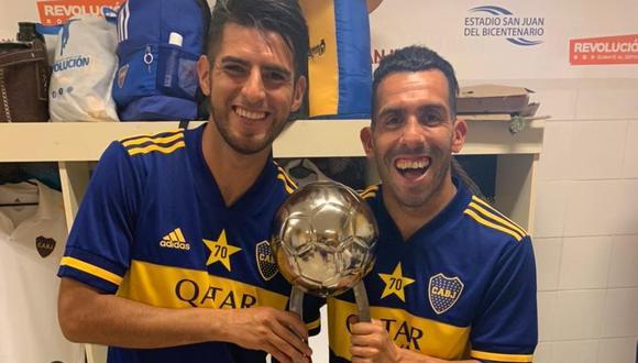 Carlos Zambrano celebró el título junto a Carlos Tevez. (Foto: Twitter Carlos Zambrano)