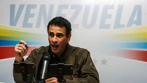 Henrique Capriles habla durante una rueda de prensa el 19 de mayo de 2017. (EFE/Cristian Hernández).