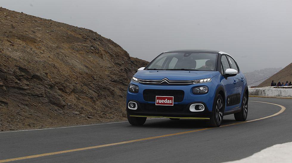 Probamos el renovado C3 de Citroën, cuya apariencia ahora sigue la línea del C4 Cactus. (fotos: Ruedas&Tuercas)