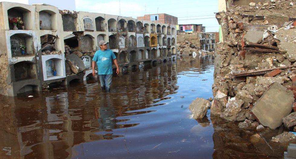 Cementerio de Túcume queda inundado por lluvias y se desploma - 12