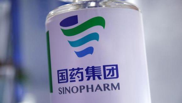 Se espera que el primer lote de vacunas de Sinopharm llegue al Perú durante este mes. (Foto: Reuters)