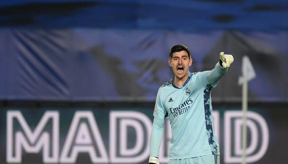 Con Courtois en el arco, Real Madrid no pasó del empate ante Osasuna y no pudo quedarse con el liderato de LaLiga. (Foto: AFP)