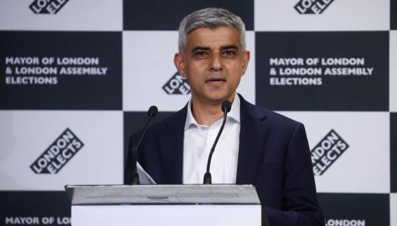 El alcalde de Londres, Sadiq Khan, habla tras ser reelegido en las elecciones a la alcaldía de Londres, en el Ayuntamiento de Londres, Gran Bretaña. (Foto: REUTERS / Henry Nicholls).