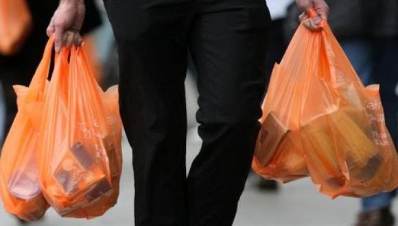 Hoy empieza el cobro de bolsas de plástico en establecimientos. (Foto: USI)