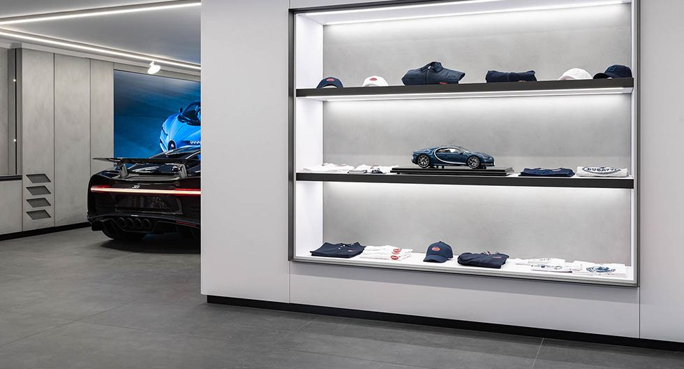 No se trata de un showroom normal, sino más bien de un espacio pensado para resaltar la imagen de Bugatti en la capital francesa. (Fotos: Bugatti).