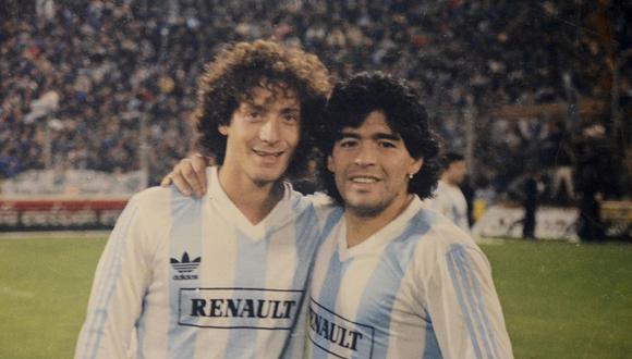 Pedro Troglio se emocionó tras pisar el arco donde Maradona hizo la 'Mano de Dios' y el 'Gol del Siglo'. (Foto:DIFUSIÓN)