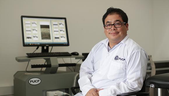 Benjamín Castañeda encabeza el proyecto que busca prevenir la formación de úlceras de pie diabético. (Foto: Anthony Ramírez Niño de Guzmán / El Comercio)