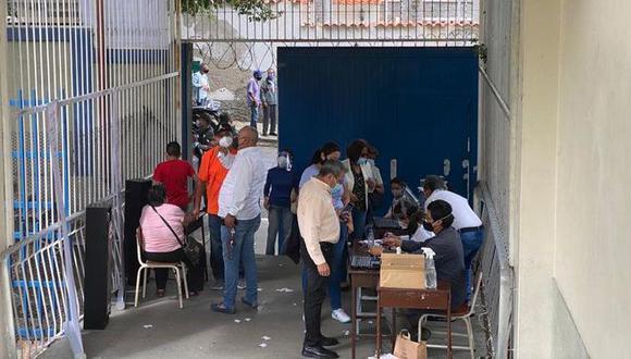 Los peruanos votan en Caracas, Venezuela, el 6 de junio del 2021. (Foto: @CancilleriaPeru).