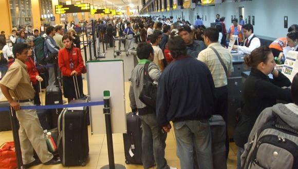 El aeropuerto Jorge Chávez opera a más que el doble de su capacidad. El año pasado fue utilizado por más de 20 millones de pasajeros. Su ampliación estará lista para el 2024.