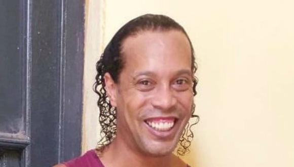 El periodista paraguayo Hernán Rodríguez difundió la primera imagen de Ronaldinho en prisión. (Foto: @HernanRSotelo)