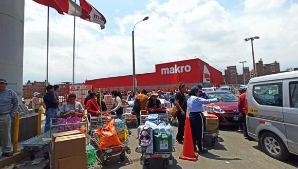 Arequipa: Población abarrota mercados y supermercados y arrasa con todo tras confirmarse segundo caso de coronavirus en la Ciudad Blanca (GEC)