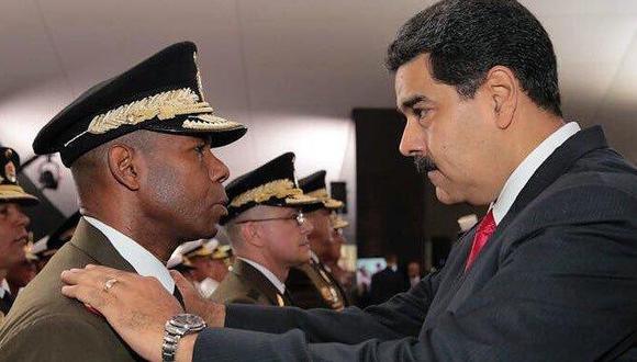 Nicolás Maduro y el general Cristopher Figuera cuando este dirigía el Sebin, la policía política de Venezuela.