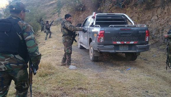 Ayacucho: PNP se enfrenta a disparos contra cuatro sujetos que transportaban 40 paquetes de cocaína   VIDEO