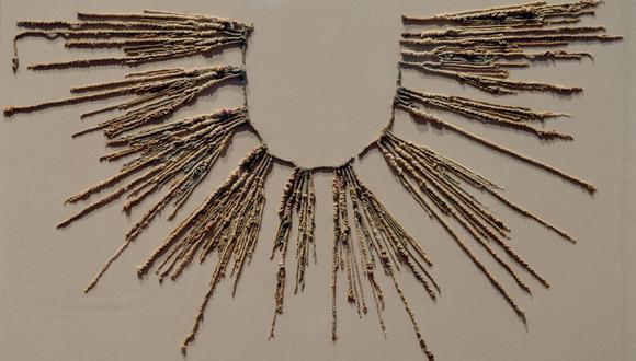 """Foto referencial. """"Khipu"""", que en quechua significa """"nudo"""", es el nombre que reciben esas coloridas y  enigmáticas cuerdas anudadas que supieron realizar los incas de la América precolombina. (CRIS BOURONCLE / AFP)"""