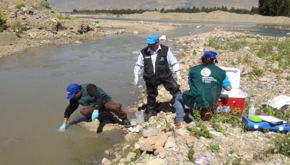 ANA tomó muestras de río Mantaro cerca de botadero de basura