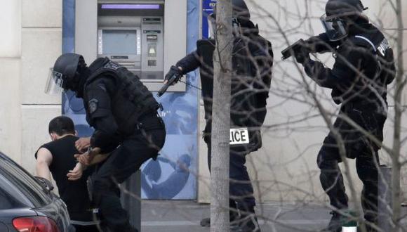 París: se entregó hombre que tomó rehenes en oficina de correos