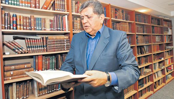 Más adelante, Alan García dice que su ubicación más al centro en el 2006 resultó ideal, pero llama entonces la atención el carácter conservador que le imprimió a su segundo gobierno. (Foto: GEC)