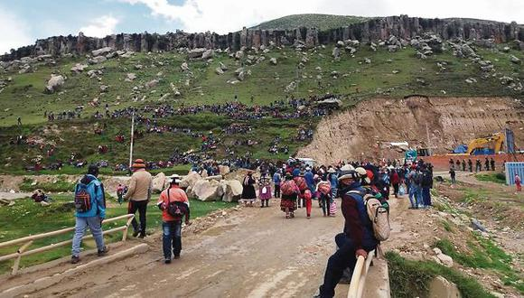 Paro distrital en Las Bambas bloquea vía de acceso a mina