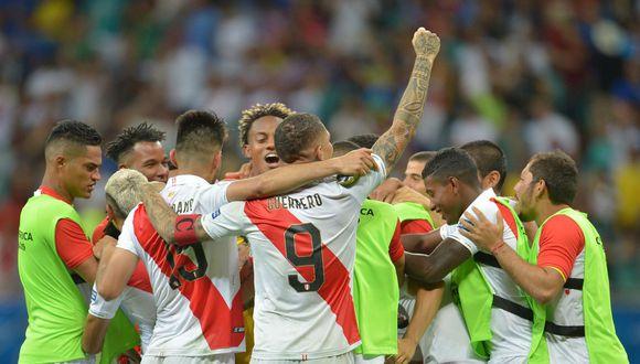 Cuatro décadas después de aquella recordada semifinal de Copa América en la que se impuso Chile, la selección peruana tiene la oportunidad de escribir una nueva historia. (Foto: AFP)